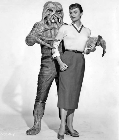 i_married_monster_from_outer_space20