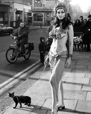 Actress Valerie Leon in a publicity stunt for the Hammer Horror film Blood From the Mummy's Tomb 1971
